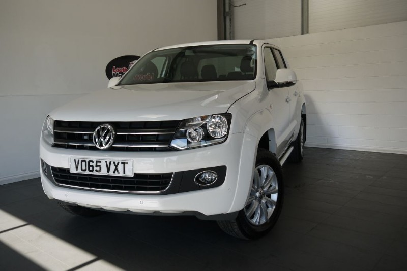 used VW Amarok TDI HIGHLINE 4MOTION AUTOMATIC SAT NAV ROCK AND ROLL COVER in lincolnshire-for-sale