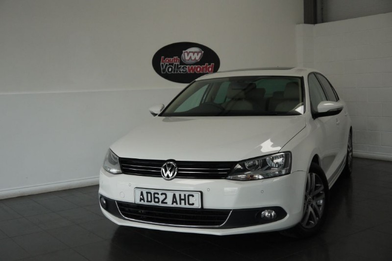 used VW Jetta TDI SPORT 4DR HALF LEATHER FRONT AND REAR PARK ASSIST £20 R/F LICENCE in lincolnshire-for-sale