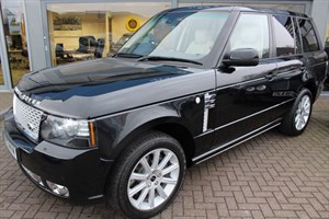 used Land Rover Range Rover TDV8 VOGUE SE. FINANCE SPECIALISTS in warrington-cheshire