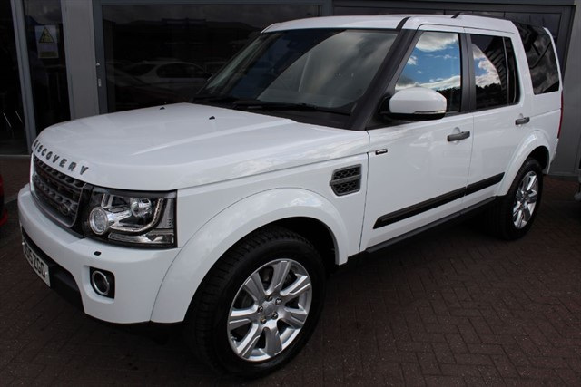 used Land Rover Discovery SDV6 SE TECH. FINANCE SPECIALISTS in warrington-cheshire