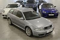 Audi RS4 Avant 27T QUATTRO