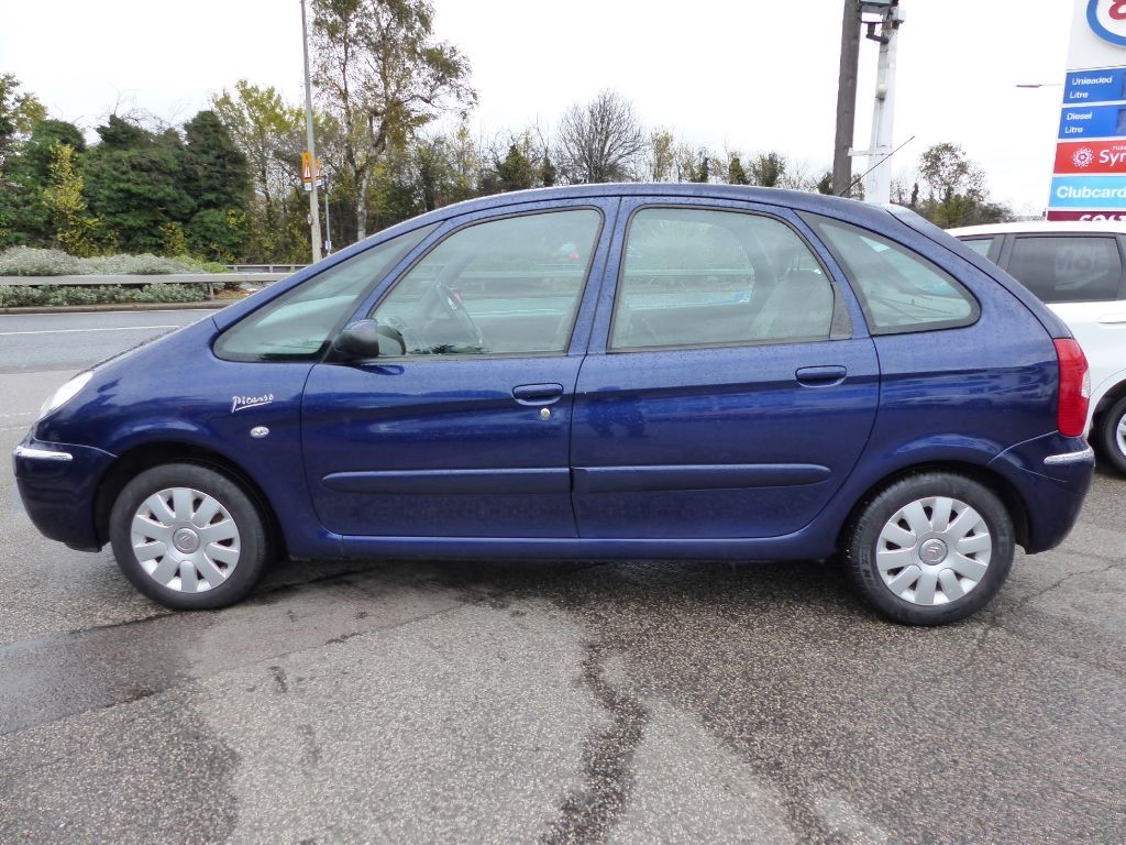 citroen xsara picasso 1 6 exclusive hdi in metallic blue for sale leigh on sea essex. Black Bedroom Furniture Sets. Home Design Ideas