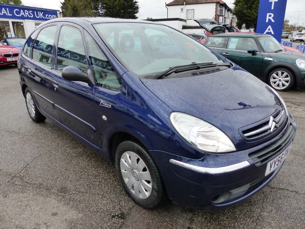 Citroen Xsara Picasso 1 6 Exclusive Hdi In Metallic Blue