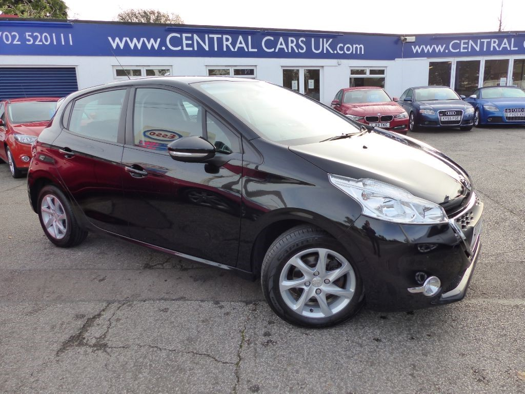 peugeot 208 1 4 e hdi active turbo diesel automatic for sale leigh on sea essex central. Black Bedroom Furniture Sets. Home Design Ideas
