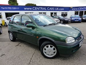 Car of the week - Vauxhall Corsa 1.2 CDX 16V Automatic 5 Door - Only £995