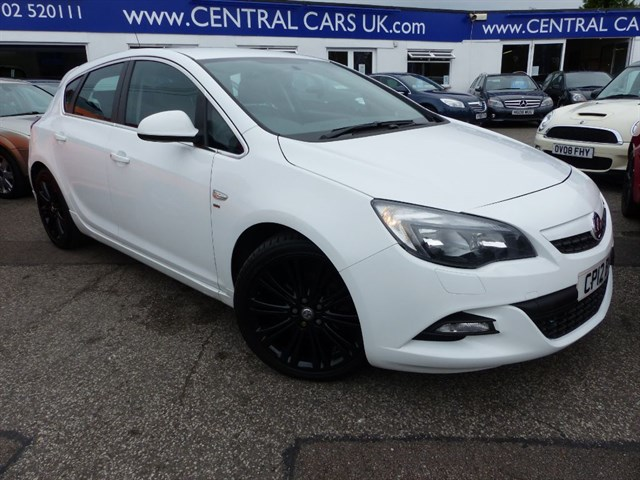 Vauxhall Astra 20 SRI VX-LINE CDTI Turbo Diesel In White