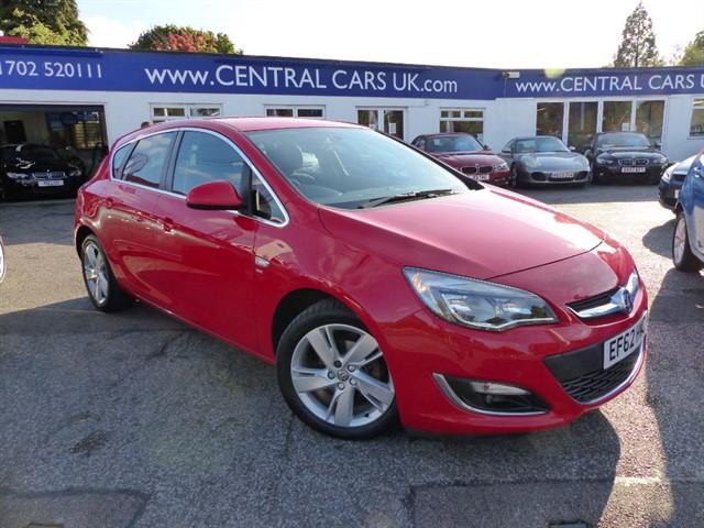 Vauxhall Astra 16 SRI 5 Door in Red