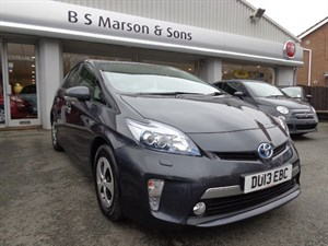 used Toyota Prius PLUG-IN HYBRID - ONLY 350 MILES - 2013 in staffordshire