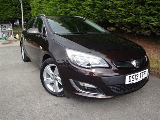 used Vauxhall Astra CDTI SRI (160bhp) (Tourer) in herefordshire-for-sale