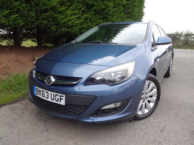 used Vauxhall Astra CDTI Tech-Line (160bhp) in herefordshire-for-sale