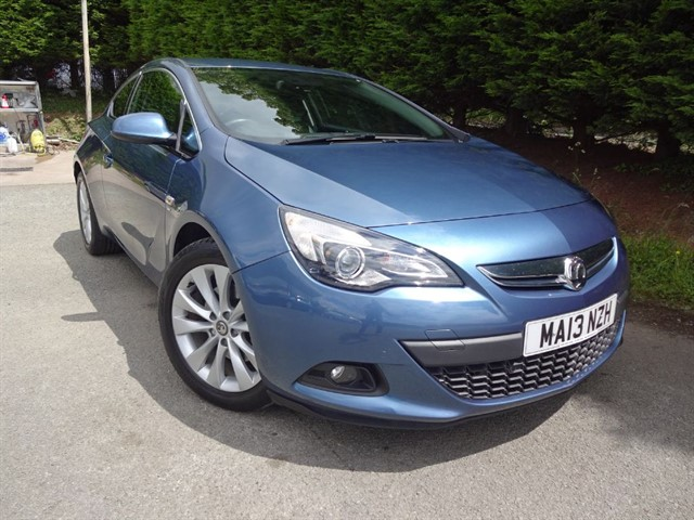 used Vauxhall Astra GTC CDTI SRI (160bhp) in herefordshire-for-sale