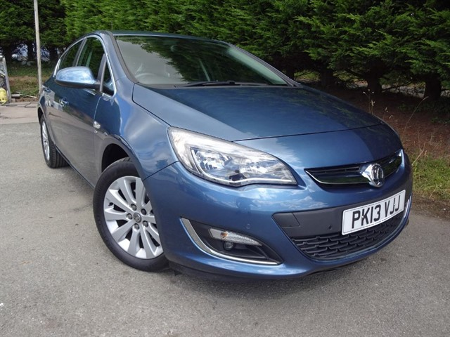 used Vauxhall Astra CDTI Elite (160bhp) in herefordshire-for-sale