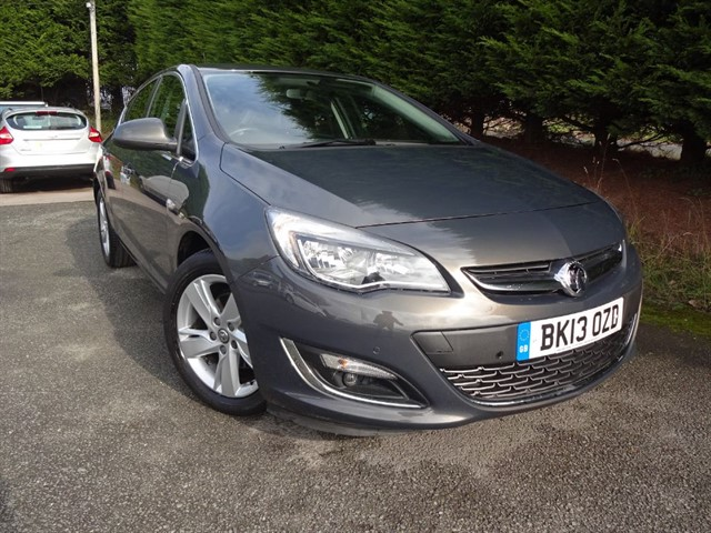 used Vauxhall Astra CDTI SRI ECOFlex (160bhp) in herefordshire-for-sale