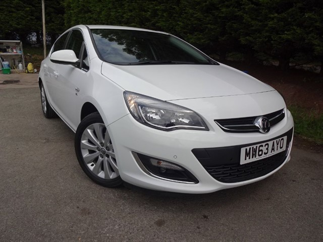 used Vauxhall Astra Elite (115bhp) in herefordshire-for-sale