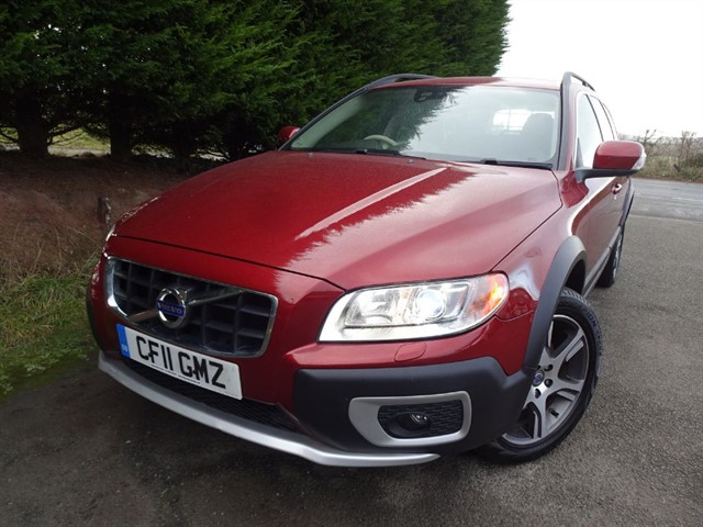 used Volvo XC70 D5 (212bhp) SE LUX NAV (AWD) in herefordshire-for-sale