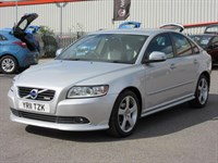 Used Volvo S40 D DRIVe R DESIGN 4 door
