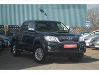 Used Toyota Hilux D-4D Invincible Crewcab Pickup