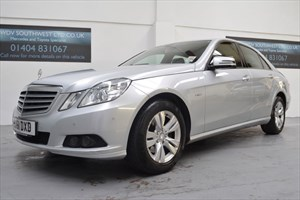 used Mercedes E220 SPECIAL EDITION BLUE-EFF 125 AUTO COMMAND NAVIGATION *VAT QUALIFYING* in axminster-devon