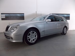 used Mercedes E280 CDI DIESEL V6 (E4) AVANTGARDE AUTO 7 SEATER COMMAND SATELLITE NAVIGATION  in axminster-devon