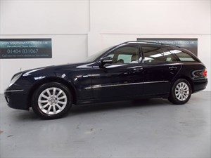 used Mercedes E280 DEISEL 320V6 ELEGANCE AUTO 7 SEATER NEW MODEL COMMAND SATELLITE NAVIGATION  in axminster-devon