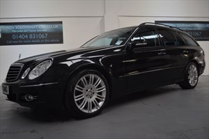 used Mercedes E320 320 CDI V6 SPORT AUTO 7 SPEED COMMAND SATELLITE NAVIGATION FMBSH  in axminster-devon