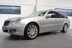 used Mercedes E320 320 CDI V6 SPORT AUTO 7 SPD COMMAND NAVIGATION MEMORY SEATS ONLY 39K mls in axminster-devon