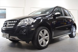 used Mercedes ML320 4X4 320 SPORT V6 AUTO 7 SPEED NEW MODEL COMMAND NAVIGATION MEMORY SEATS in axminster-devon