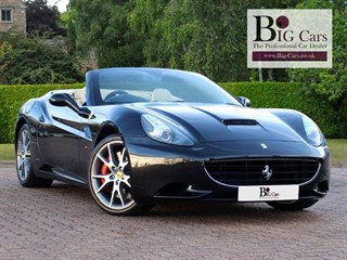 Click here for more details about this Ferrari California 2 PLUS 2 Red Calipers Crema Leather