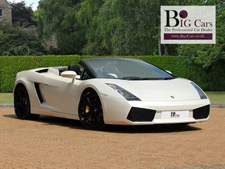 Click here for more details about this Lamborghini Gallardo V10 SPYDER E-Gear Yellow Calipers