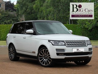 Click here for more details about this Land Rover Range Rover SDV8 VOGUE SE Massive Spec