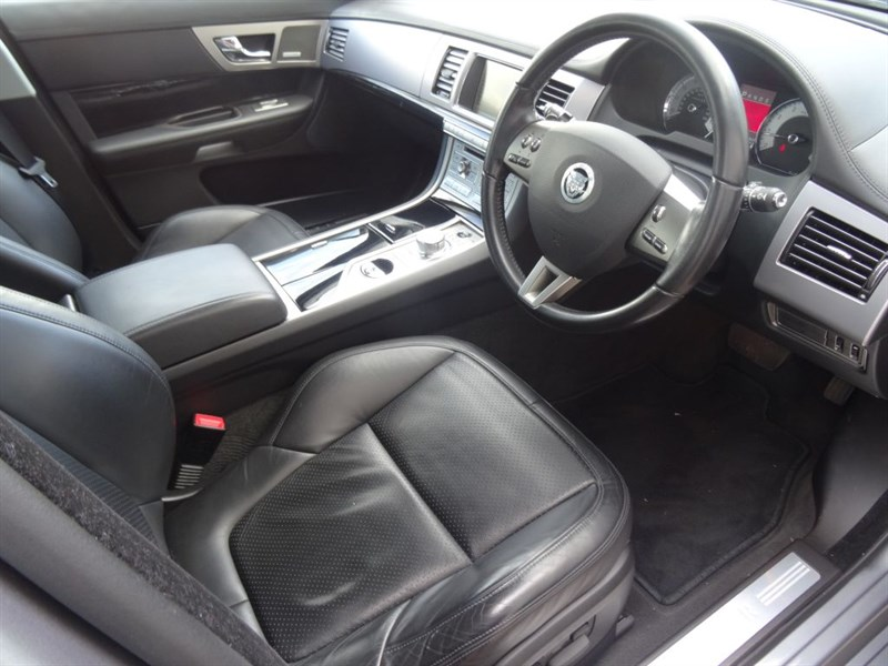 Used Lunar Grey Jaguar Xf For Sale Derbyshire