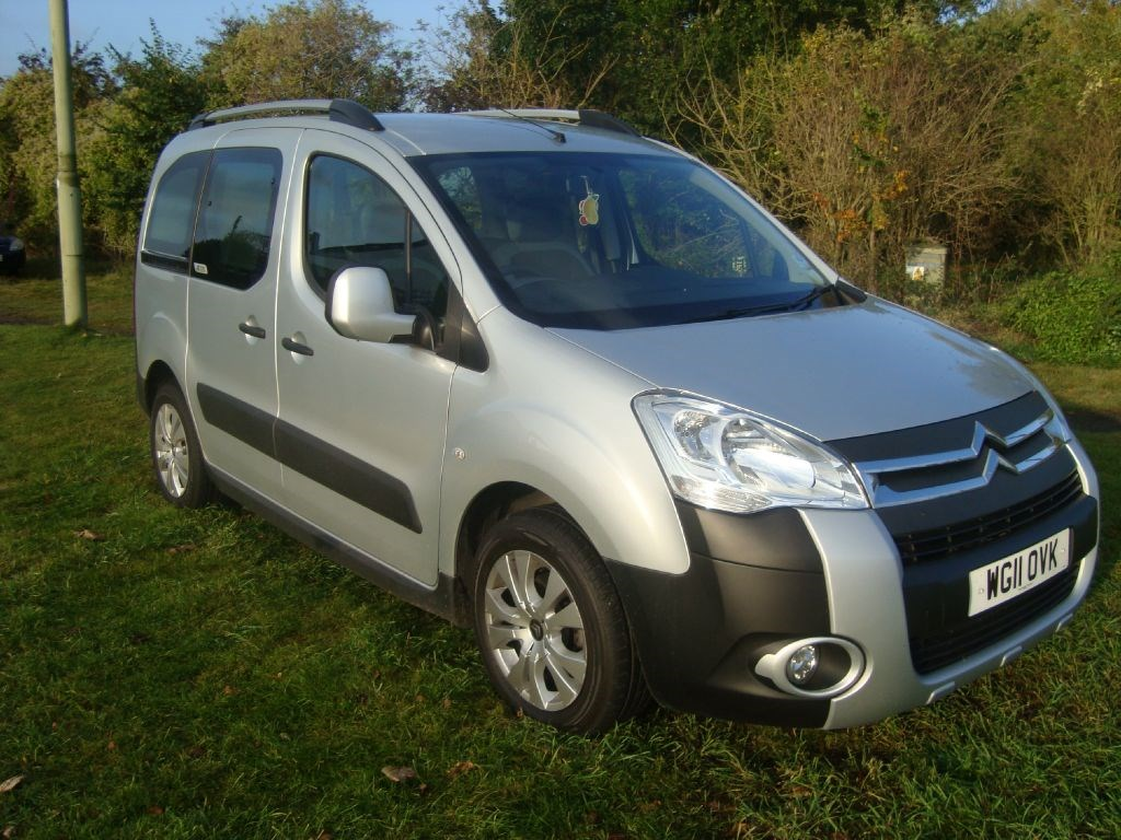 citroen berlingo multispace xtr hdi wheelchair accessible. Black Bedroom Furniture Sets. Home Design Ideas
