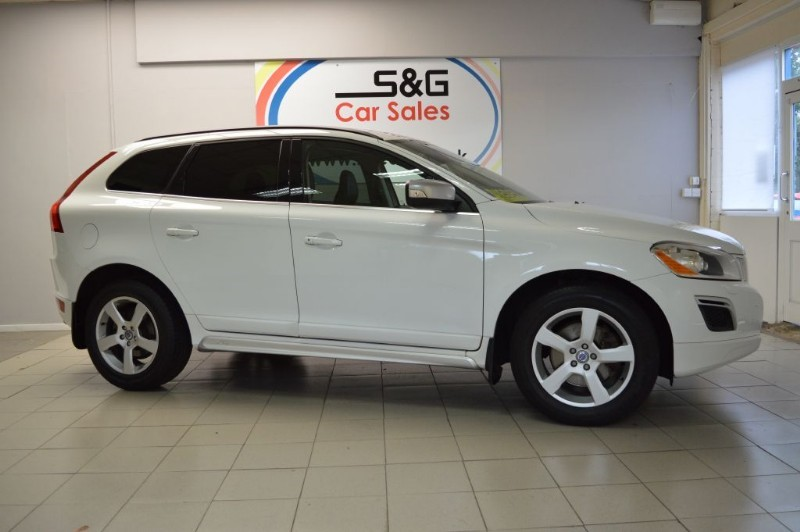 used Volvo XC60 D3 DRIVE R-DESIGN in ely-cambridgeshire