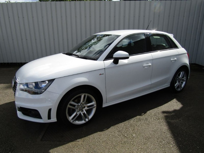 audi a1 1 6 tdi s line 5dr sportback white diesel one private owner fsh for sale sleaford. Black Bedroom Furniture Sets. Home Design Ideas