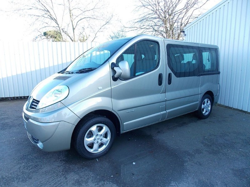 Renault Trafic 9 Seater Renault Trafic 2 0dci Sport 9