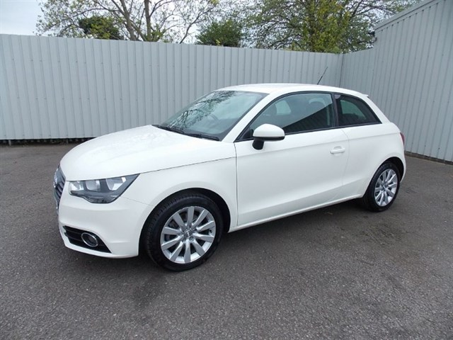 Click here for more details about this Audi A1 16TDI SPORT 3DR 1 private owner Full Audi History
