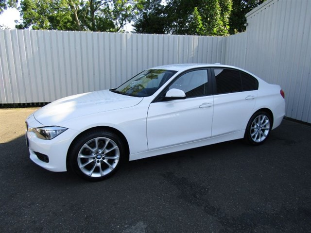 used BMW 318d 2.0 SE 4dr FP62 FHR One private owner full service history