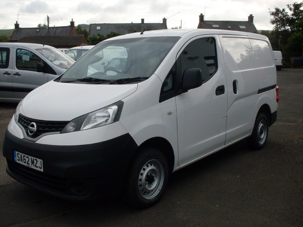 used white nissan nv200 for sale dumfries and galloway. Black Bedroom Furniture Sets. Home Design Ideas