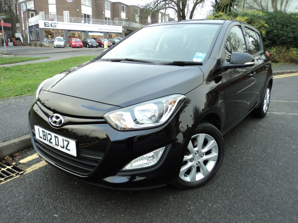 Used Cars Low Mileage Low Price Hyundai i20 Active + Hyundai Warranty to July 2017 + for sale - Epsom ...