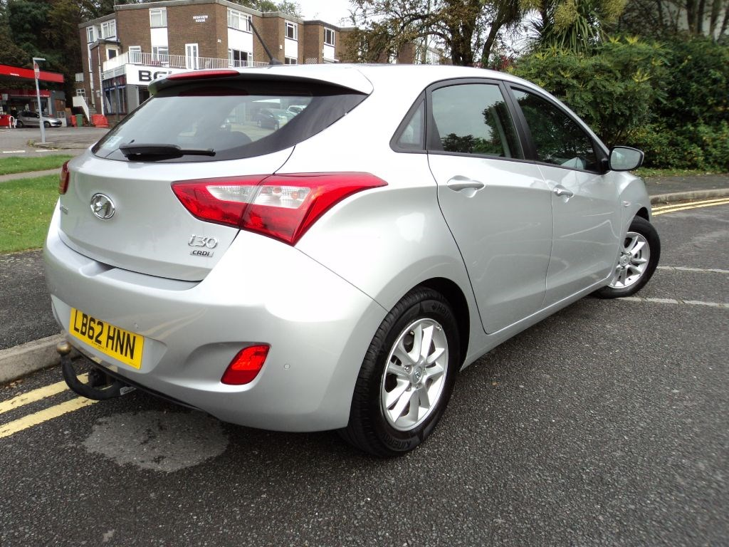 hyundai i30 active crdi diesel automatic with hyundai wty to 2018 for sale epsom downs surrey. Black Bedroom Furniture Sets. Home Design Ideas