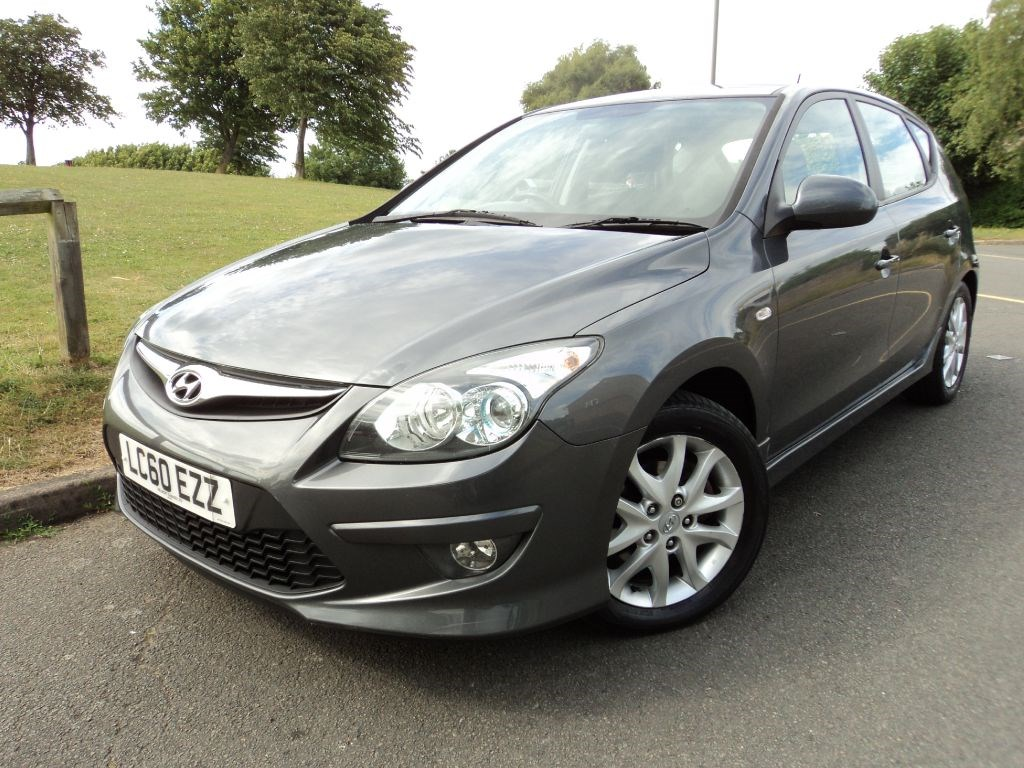 hyundai i30 comfort crdi diesel full hyundai history for sale epsom downs surrey. Black Bedroom Furniture Sets. Home Design Ideas