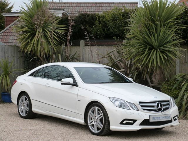 Mercedes-Benz E220 CDI BLUEEFFICIENCY SPORT