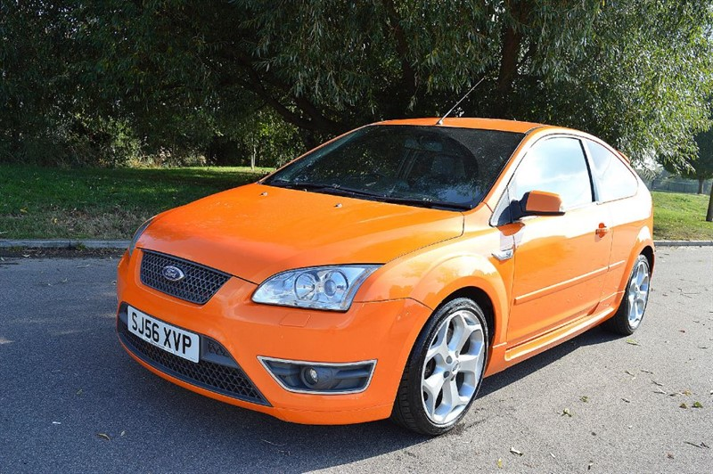 used electric orange ford focus for sale essex. Black Bedroom Furniture Sets. Home Design Ideas