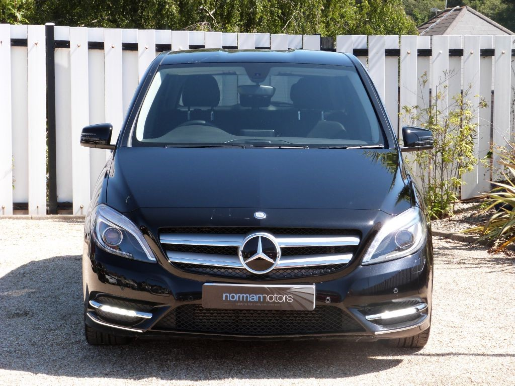 used cosmo black metallic mercedes b180 cdi for sale dorset. Black Bedroom Furniture Sets. Home Design Ideas