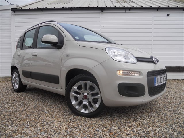 Fiat Panda LOUNGE JUST 2900 MILES