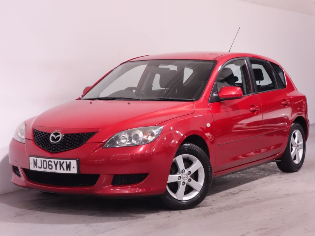 used red mazda mazda3 for sale hampshire. Black Bedroom Furniture Sets. Home Design Ideas