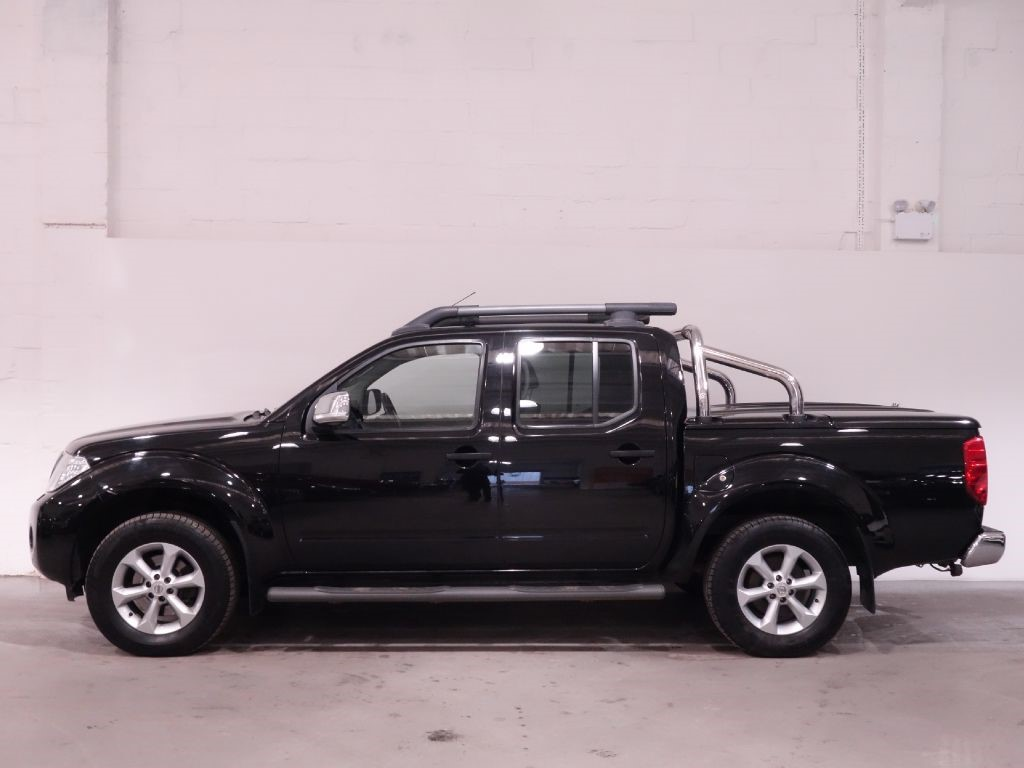 used black nissan navara for sale hampshire. Black Bedroom Furniture Sets. Home Design Ideas