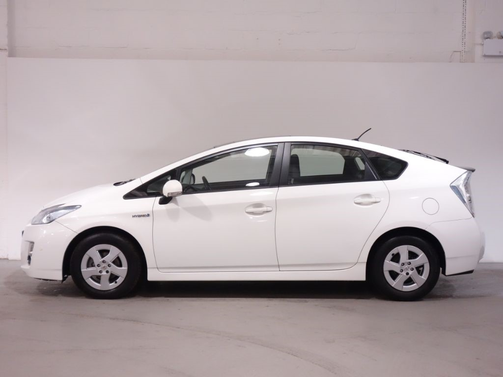 used white toyota prius for sale hampshire. Black Bedroom Furniture Sets. Home Design Ideas