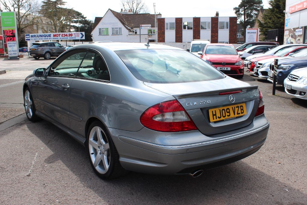 used silver mercedes clk220 cdi for sale hertfordshire. Black Bedroom Furniture Sets. Home Design Ideas