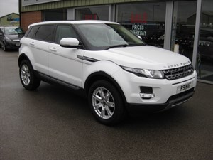 used Land Rover Range Rover Evoque 2.2SD4 Pure 5dr Auto 4x4 PAN ROOF Low Mileage in louth